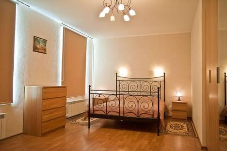 Сдается 2-комнатная квартира посуточно в Санкт-Петербурге, Малая Морская 9.