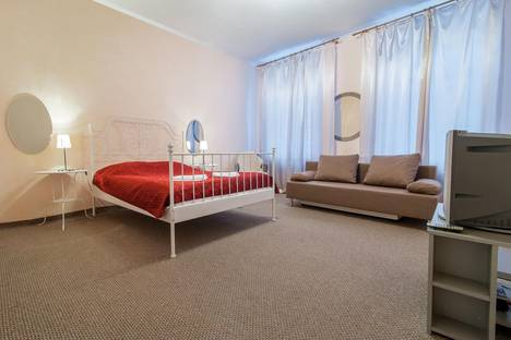 Сдается 1-комнатная квартира посуточно в Санкт-Петербурге, 4 Советская 32.