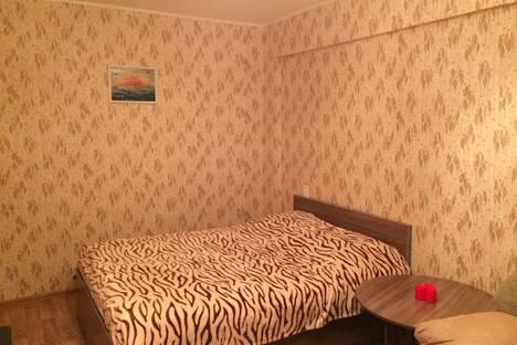 Сдается 1-комнатная квартира посуточнов Ангарске, р-н Микрорайоны, 18 м-он, 7 дом.