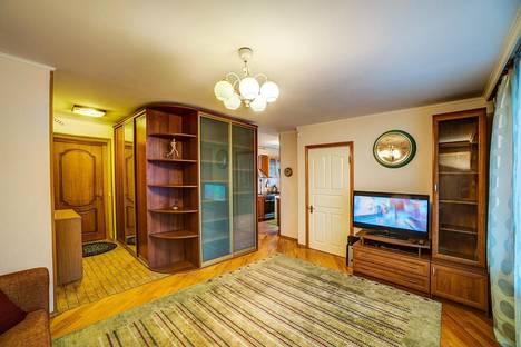 Сдается 2-комнатная квартира посуточнов Юбилейном, ул. Большая Якиманка, 58/2.