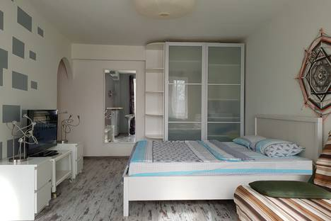 Сдается 1-комнатная квартира посуточно в Москве, шоссе Измайловское 27.