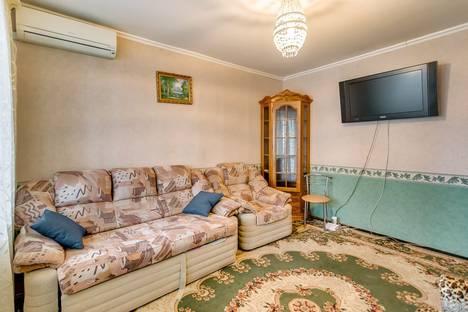 Сдается 2-комнатная квартира посуточно в Ростове-на-Дону, ул. Тельмана, 4.