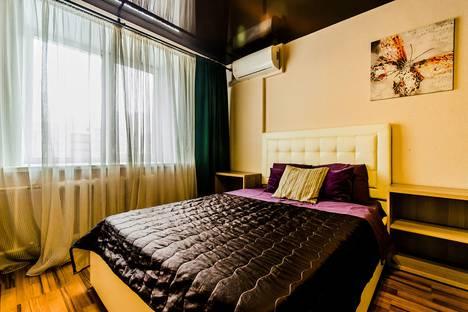 Сдается 1-комнатная квартира посуточно, ул. Николая Панова, 50.