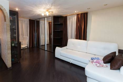 Сдается 1-комнатная квартира посуточно в Новосибирске, ул. Ленина, 79.