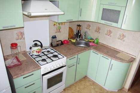 Сдается 2-комнатная квартира посуточно в Твери, ул. Склизкова, 103.