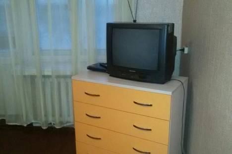 Сдается 1-комнатная квартира посуточно, Вяткина 19.