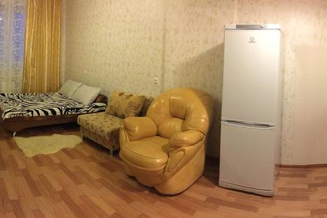 Сдается 2-комнатная квартира посуточно, ул. Куйбышева, 59.