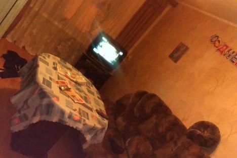 Сдается 2-комнатная квартира посуточно в Стерлитамаке, ул. Шаймуратова, 3.