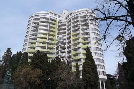 Сдается 1-комнатная квартира посуточнов Ливадии, Приморский Парк, 2.