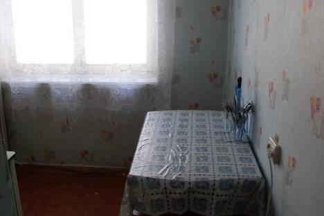 Сдается 2-комнатная квартира посуточнов Златоусте, проспект им Ю.А.Гагарина 4-я линия, дом4.