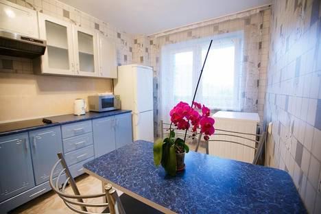 Сдается 3-комнатная квартира посуточно в Брянске, ул.Крахмалева 49.