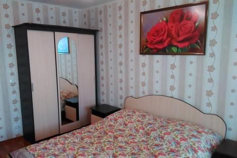 Сдается 2-комнатная квартира посуточно в Энгельсе, Трудовая 12/1.