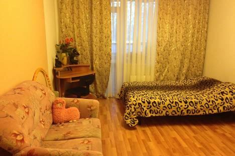 Сдается 1-комнатная квартира посуточнов Екатеринбурге, ул. Бакинских комиссаров, 95.