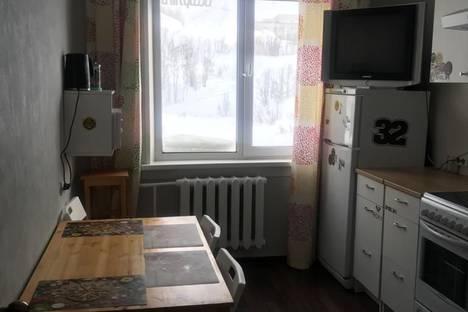 Сдается 2-комнатная квартира посуточно в Кировске, Олимпийская улица, дом 79.