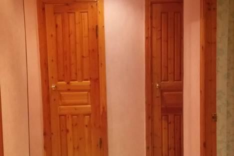 Сдается 3-комнатная квартира посуточнов Ноябрьске, Советская 80.