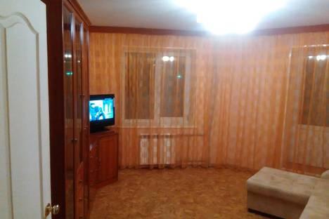 Сдается 2-комнатная квартира посуточно в Энгельсе, Маяковского 48А.