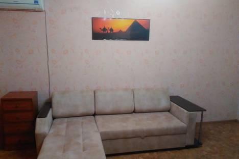 Сдается 1-комнатная квартира посуточно в Энгельсе, Маяковского 48А.