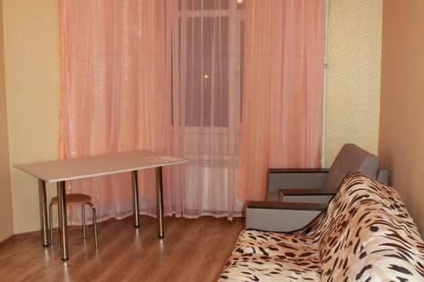 Сдается 2-комнатная квартира посуточно в Алуште, ул. Лесная, 3.