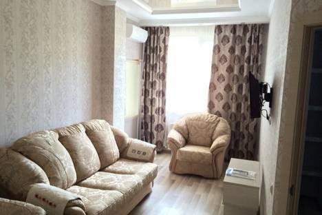 Сдается 2-комнатная квартира посуточно в Алуште, Платановая, 1.