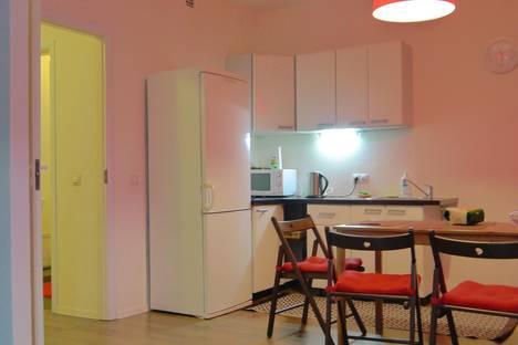 Сдается 2-комнатная квартира посуточнов Санкт-Петербурге, Кудрово, Ленинградская ул., д.7.