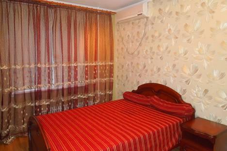 Сдается 2-комнатная квартира посуточнов Оренбурге, ул. Липовая, 11.
