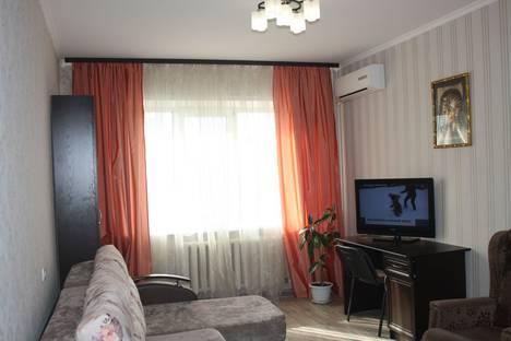 Сдается 2-комнатная квартира посуточно, Доватора, 4а.