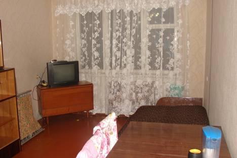 Сдается 2-комнатная квартира посуточнов Гатчине, Карла Маркса 41.