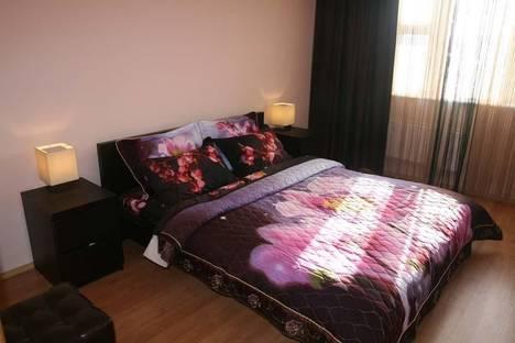 Сдается 2-комнатная квартира посуточно в Тюмени, пермякова,70.