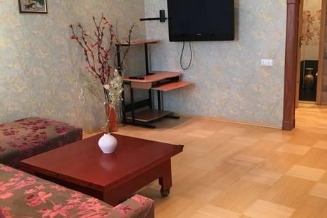 Сдается 3-комнатная квартира посуточно, Мира 55.