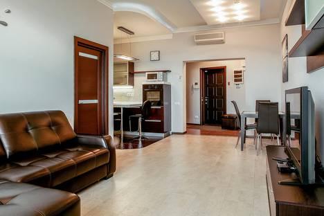 Сдается 1-комнатная квартира посуточнов Сочи, ул. Кубанская, 12.
