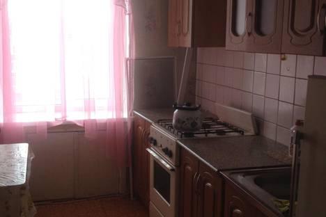 Сдается 2-комнатная квартира посуточно в Бузулуке, 2 микрорайон 34.