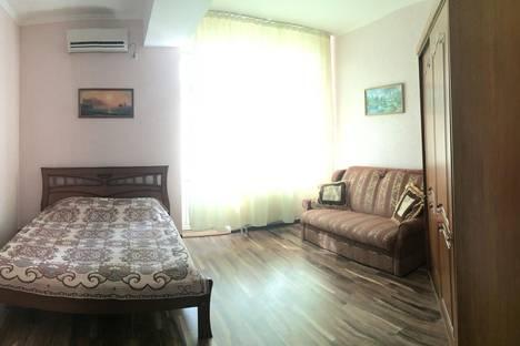 Сдается 3-комнатная квартира посуточнов Коктебеле, Коммунальная 9.