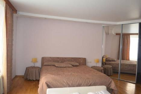 Сдается 1-комнатная квартира посуточно в Тюмени, пермякова,71.