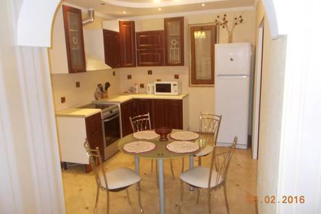 Сдается 3-комнатная квартира посуточнов Сочи, Первомайская ул., 19.