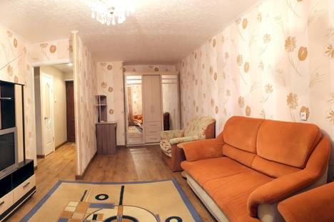 Сдается 1-комнатная квартира посуточно в Тихвине, 3 микрорайон, 36.