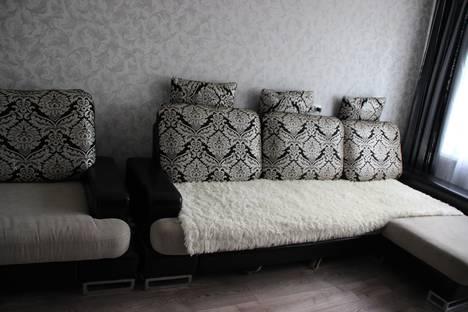 Сдается 2-комнатная квартира посуточно в Елабуге, ул. Автомобилистов, 6.
