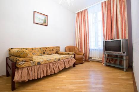 Сдается 4-комнатная квартира посуточнов Санкт-Петербурге, Малая Морская 19.