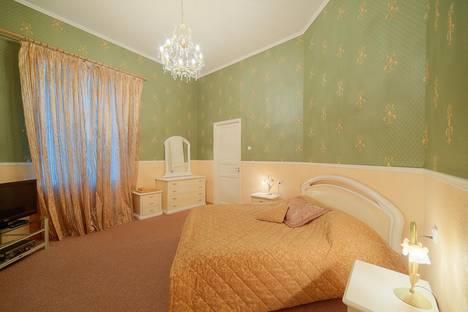 Сдается 3-комнатная квартира посуточнов Санкт-Петербурге, ул. Малая Конюшенная, 10.