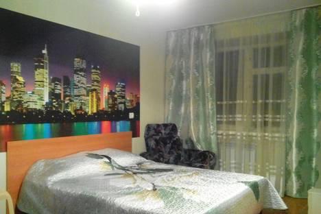 Сдается 2-комнатная квартира посуточно в Таганроге, ул. Щаденко, 90.