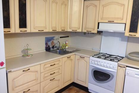 Сдается 2-комнатная квартира посуточно в Салехарде, Губкина 24.