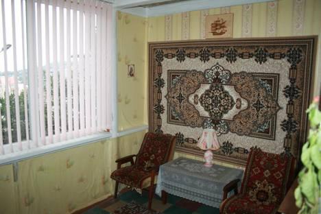 Сдается 2-комнатная квартира посуточно в Гурзуфе, ул. Ореховая 14.
