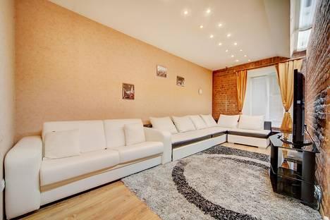 Сдается 2-комнатная квартира посуточнов Санкт-Петербурге, Загородный проспект, 12.