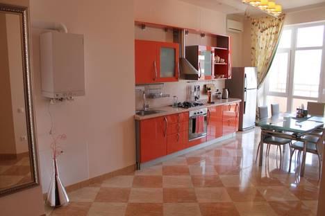 Сдается 2-комнатная квартира посуточно в Геленджике, ул. Красногвардейская, 38.