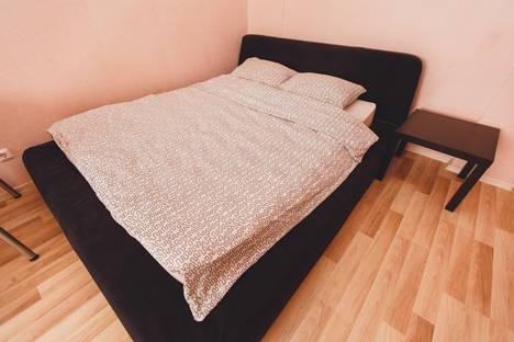 Сдается 1-комнатная квартира посуточнов Нефтеюганске, 15 микрорайон 5 дом.
