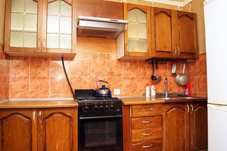 Сдается 2-комнатная квартира посуточно, ул. Карсунская, 1.