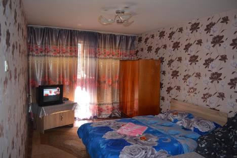 Сдается 2-комнатная квартира посуточнов Бишкеке, 4 мкрн,42.