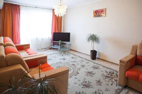 Сдается 2-комнатная квартира посуточно в Хабаровске, Карла Маркса 105а.