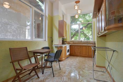 Сдается 1-комнатная квартира посуточно, Боткинская 1.