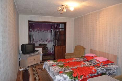 Сдается 2-комнатная квартира посуточнов Бишкеке, 5-й микрорайон, 46.