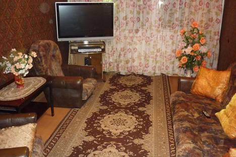 Сдается 3-комнатная квартира посуточно в Кировске, ул. Кирова, 42.
